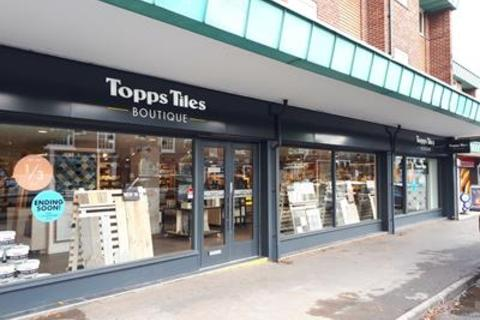 Shop to rent - Unit 3-7, Canute Place , Knutsford, Cheshire