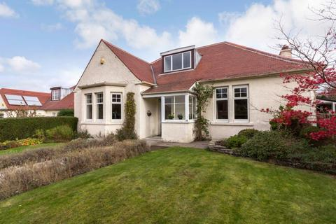 3 bedroom detached bungalow for sale - 19 Westgarth Avenue, Edinburgh, EH13 0BB