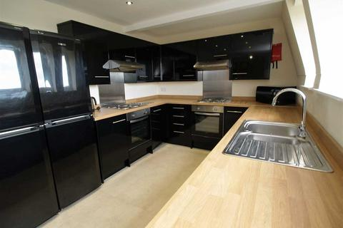 8 bedroom apartment to rent - The Clubhouse Loft Apartment, 22-24 Mutley Plain, Plymouth