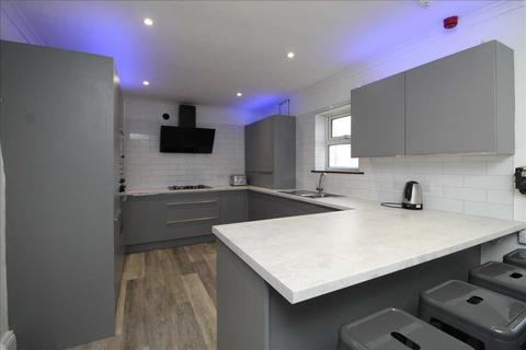 7 bedroom house to rent - North Hill, Plymouth