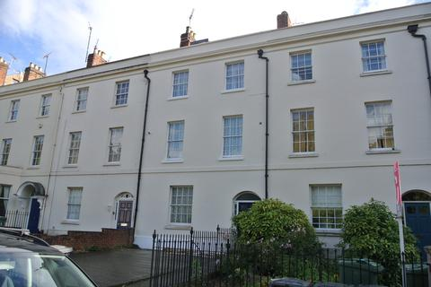 Studio to rent - 110 london Road, Gloucester GL1