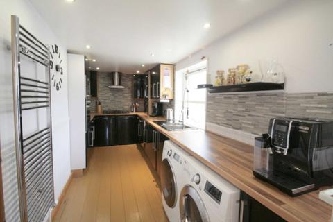 4 bedroom end of terrace house for sale - Old Priory, Plympton