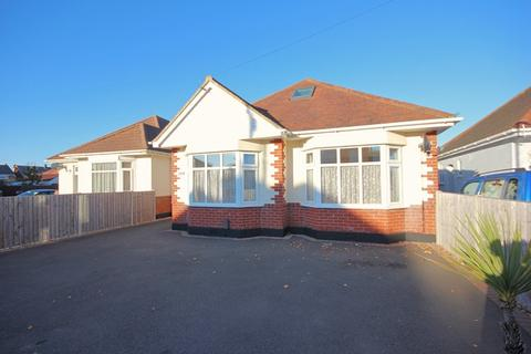 3 bedroom bungalow for sale - Kingswell Road, Bournemouth