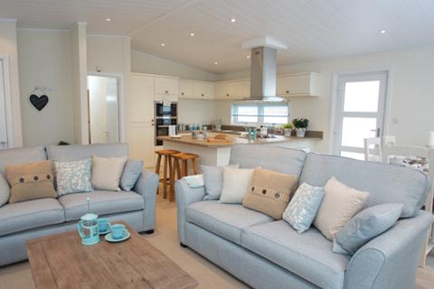2 bedroom lodge for sale - Kessingland Lowestoft