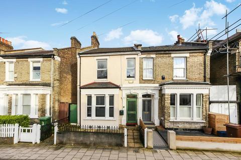 4 bedroom semi-detached house for sale - Tresco Road, London SE15