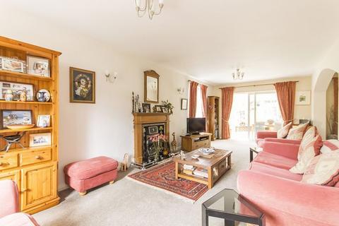 5 bedroom detached house for sale - Balmoral Close, Littleover