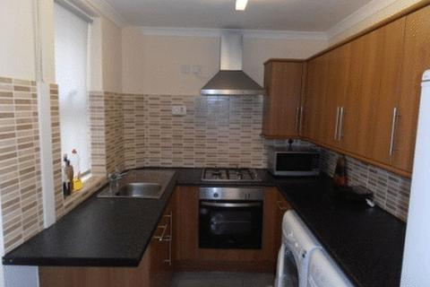 2 bedroom house share to rent - Russell Road, Nottingham