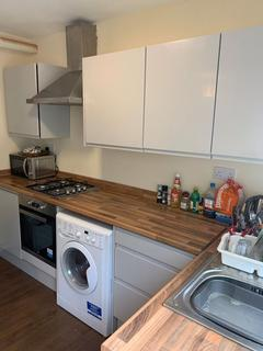 4 bedroom house share to rent - Rolleston Drive, Nottingham