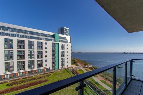 2 bedroom apartment for sale - Ferry Court, Cardiff Bay, Cardiff