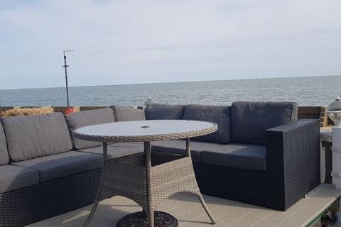 2 bedroom lodge for sale - Seashore View, East Mersea