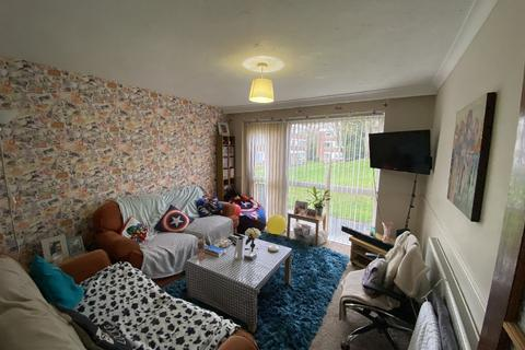 3 bedroom ground floor flat to rent - - Niall Cls, Harborne, Birmingham, West Midlands, B15