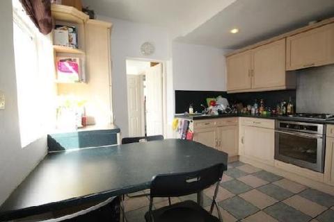4 bedroom house share to rent - Elmsthorpe Avenue, Lenton, Nottingham, Nottinghamshire, NG7