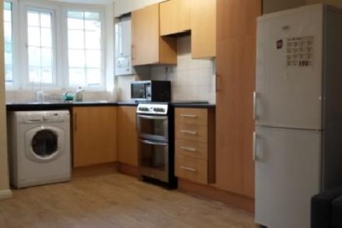 3 bedroom house share to rent - Saxon Green, Lenton, Nottingham, Nottinghamshire, NG7
