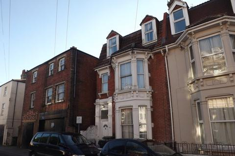 8 bedroom end of terrace house to rent - Auckland Road East, Southsea