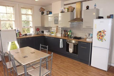 6 bedroom apartment to rent - *NO STUDENT FEES 2020* Aylward Street, Portsmouth