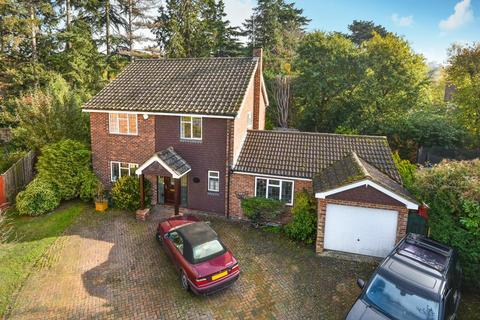 5 bedroom detached house to rent - Battlemead Close, Maidenhead, SL6