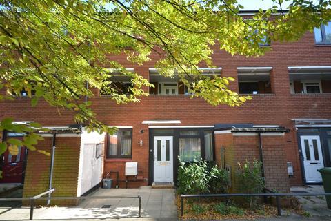 2 bedroom flat for sale - Stoneycroft Close Lee SE12