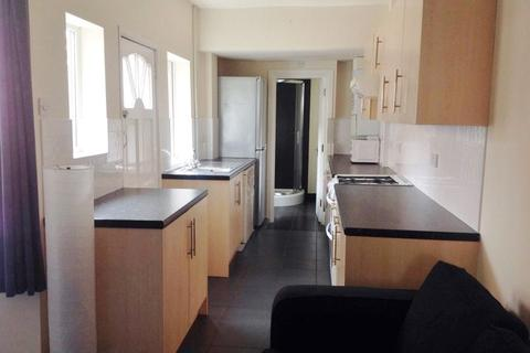 5 bedroom terraced house to rent - Luton Road, Selly Oak