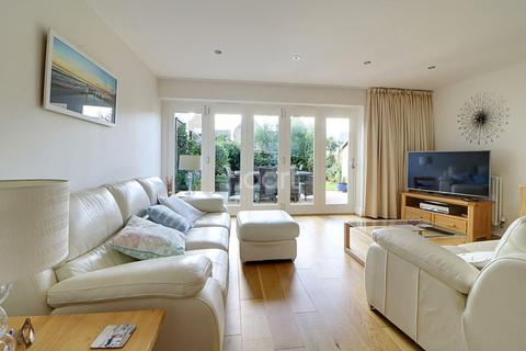 3 bedroom link detached house for sale - Gunners Rise, Shoeburyness