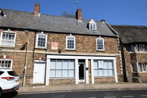 3 bedroom character property for sale - Commercial Unit with Apartment Above at Northgate, Oakham