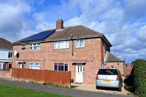 3 bedroom semi-detached house for sale - Tennyson Avenue, Grantham