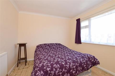 3 bedroom terraced house for sale - Underwood Close, Kennington, Ashford, Kent