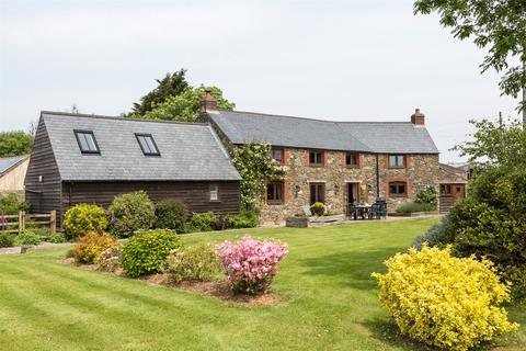 4 bedroom detached house for sale - Varley Farm, Prixford