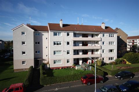 3 bedroom flat to rent - Cherrybank Road, Merrylee, Glasgow