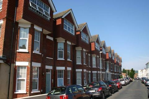 Studio to rent - 11 Cambridge Road, Eastbourne, East Sussex