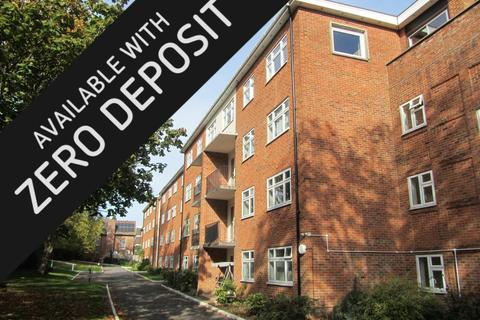 3 bedroom apartment to rent - Bassett Avenue, Southampton
