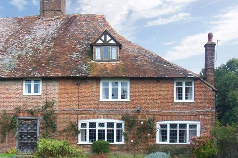 4 bedroom cottage to rent - SANDHURST