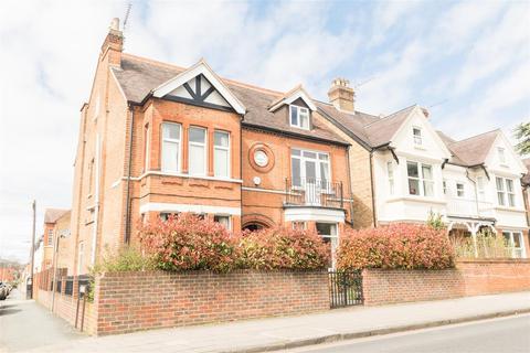 7 bedroom house for sale - St. Leonards Road, Windsor