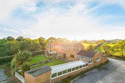 4 bedroom semi-detached house for sale - Pinfold Lane, Cookridge, Leeds