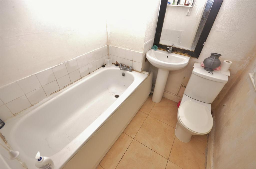 Flat 2   Studio To Rear Bathroom