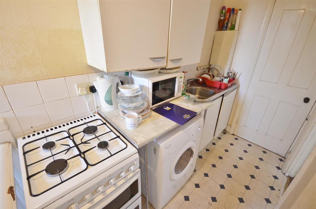 Flat 3   Upstairs Kitchen
