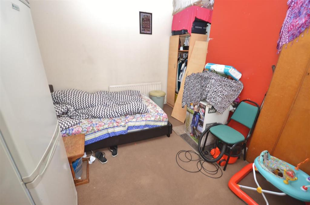 Flat 3   Upstairs Bedroom