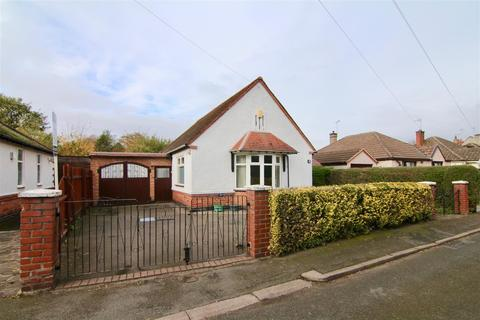 2 bedroom detached bungalow for sale - A large bungalow available to make your own?