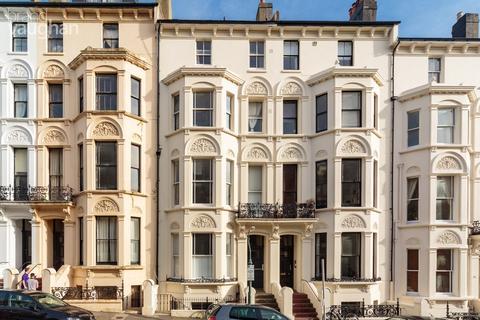 2 bedroom flat for sale - Cambridge Road , Hove , BN3