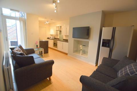 3 bedroom ground floor flat to rent - Stannington Place, Heaton, Newcastle Upon Tyne