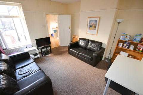 3 bedroom flat to rent - Valley View, Jesmond, Newcastle Upon Tyne