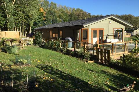 3 bedroom lodge for sale - Heron Lakes, Routh, Beverley, HU17