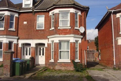 7 bedroom end of terrace house to rent - Alma Road
