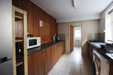 4 bedroom semi-detached house to rent - Lodge Road, Southampton