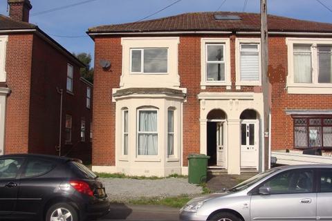 7 bedroom semi-detached house to rent - Alma Road