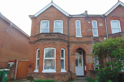 9 bedroom terraced house to rent - Alma Road, Southampton