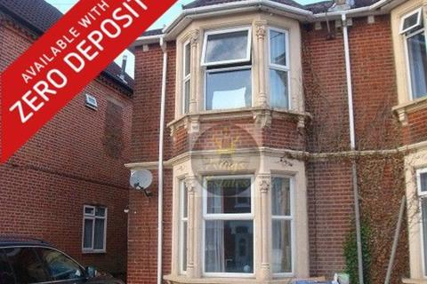 3 bedroom flat to rent - Gordon Avenue