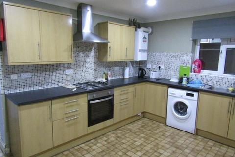 6 bedroom terraced house to rent - Burlington Road