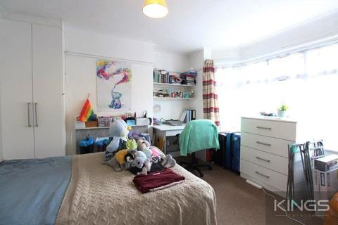 4 bedroom terraced house to rent - Arnold Road