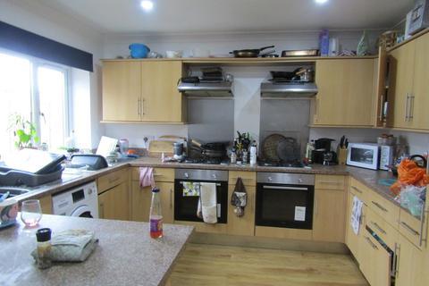 9 bedroom barn conversion to rent - Alma Road, Southampton