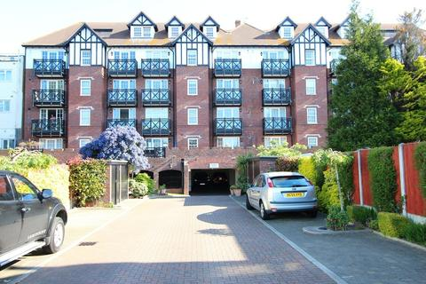 2 bedroom apartment for sale - Leigh Road, Leigh-on-Sea